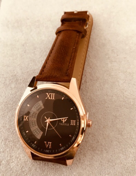 Used Brand new genuine leather watch in Dubai, UAE