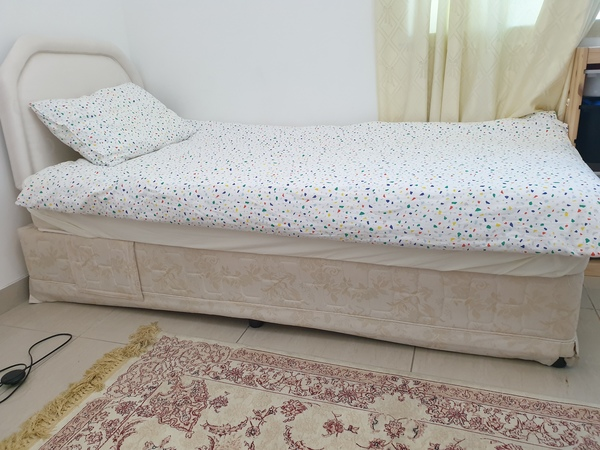 Used Single beds with mattress in Dubai, UAE