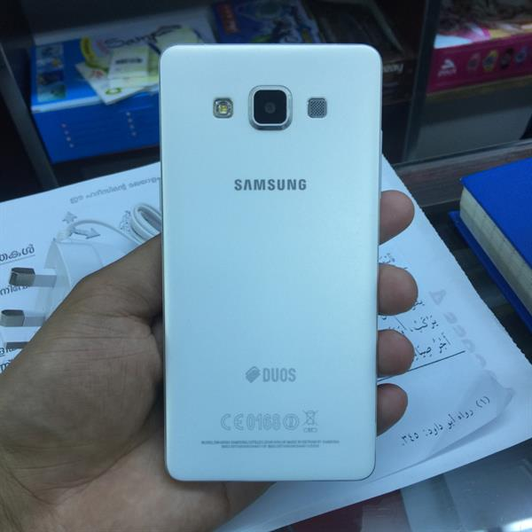 Used samsung galaxy A5 used (neet and clean with full accsories) in Dubai, UAE