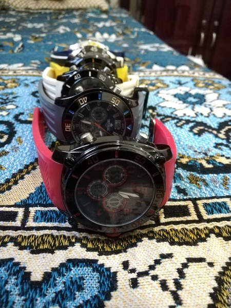 Used Set of 7 wrist watches in Dubai, UAE