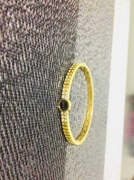 Used Gucci brand bangles in Dubai, UAE