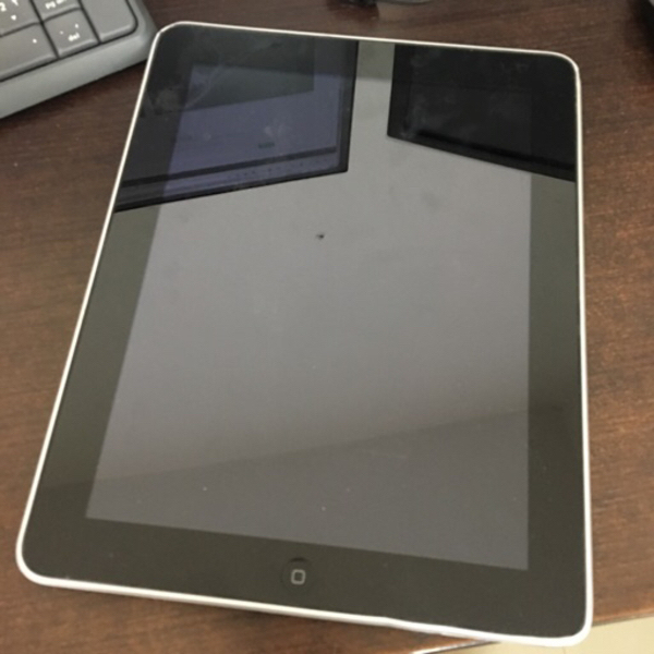 Used iPad first generation *NOT working* in Dubai, UAE