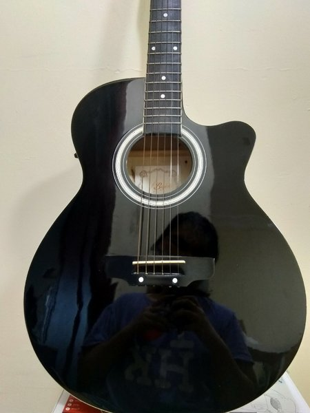 Used Bajeto Guitar in Dubai, UAE