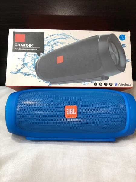 Used CHARGE4.. JBL SPEKSER NEW!!! in Dubai, UAE