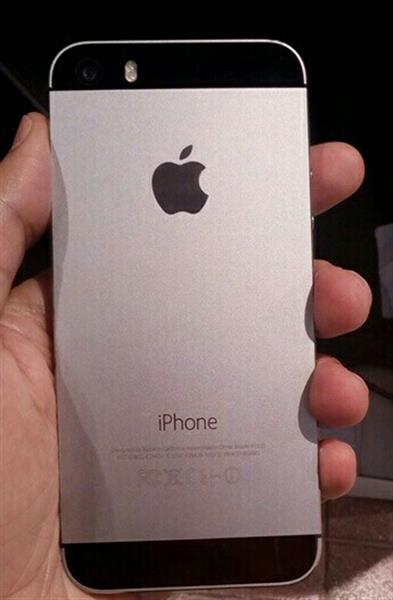 Used Iphone 5s 32Gb  Clean Hand Sat And Clear Body  in Dubai, UAE
