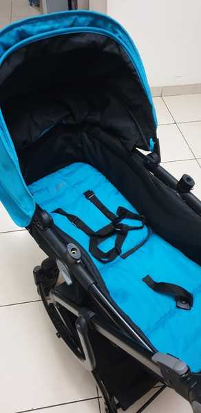 Used Baby stroller with car seat in Dubai, UAE