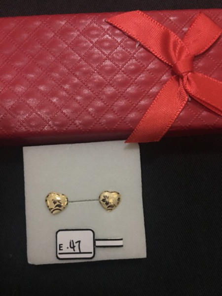 Used Heart shape stud earrings  in Dubai, UAE