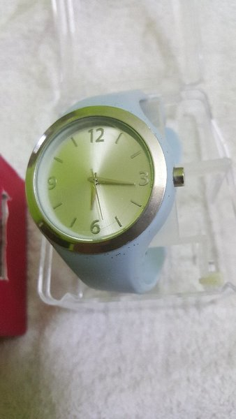 Used 2 pcs watch for girls used in Dubai, UAE