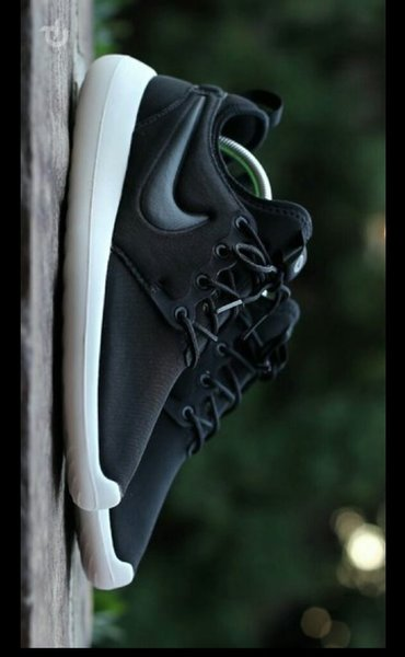 Used Nike Roshe Run Brand New in Dubai, UAE