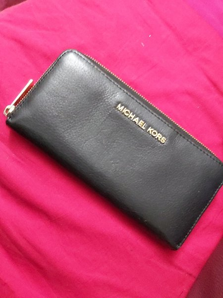 Used Micheal kors wallet authentic in Dubai, UAE