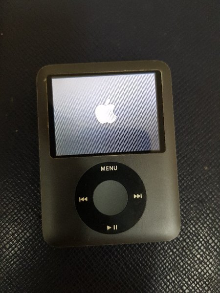 Used Apple iPod nano classic 8gb greay in Dubai, UAE