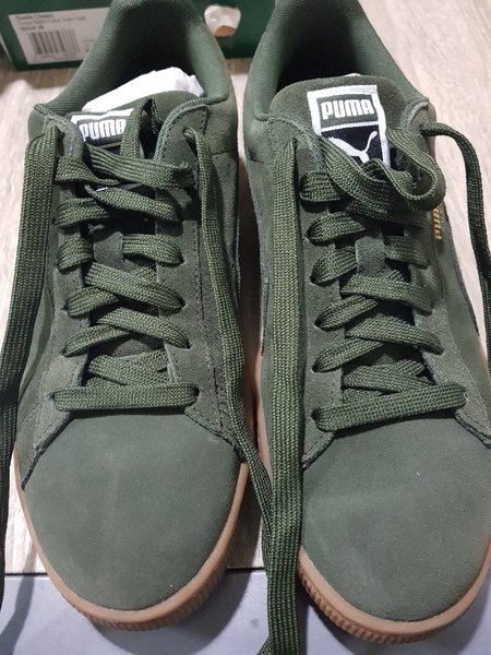 Used Suede Classic - Puma (Unused) Shoes in Dubai, UAE