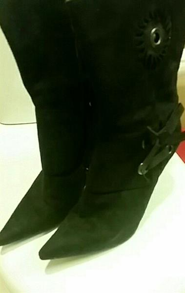 Used Black Boots Very Good Condition Wear Onc in Dubai, UAE