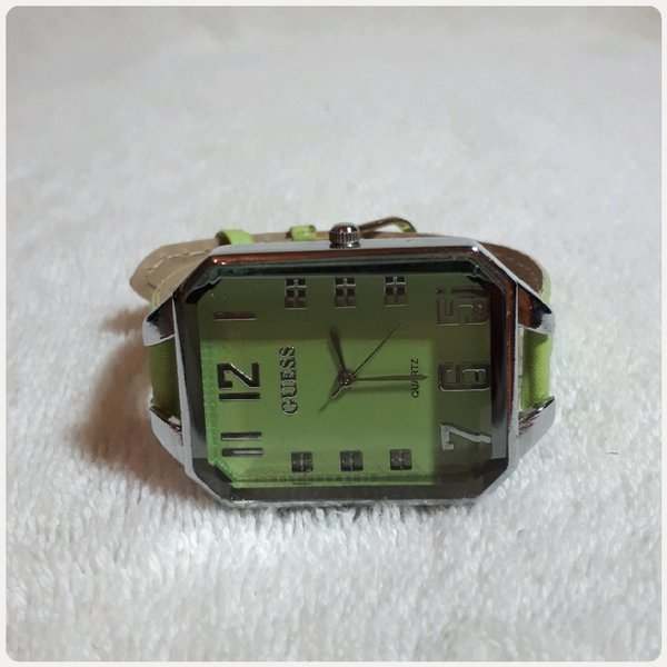 Used GUESS WATCH GREEN COLOR FOR HER in Dubai, UAE