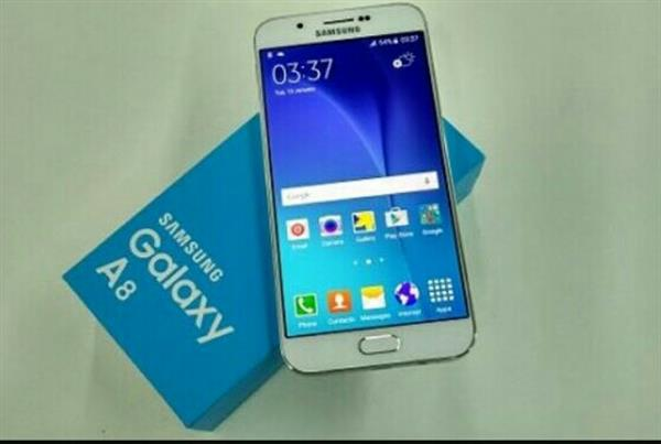 Used samsung galaxy a8 eight month used  in Dubai, UAE