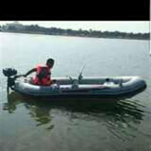Used For Person Boat With Patrole Engine in Dubai, UAE