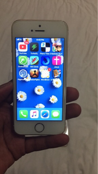 Used iPhone 5s 64gb.No charger ear phones. in Dubai, UAE