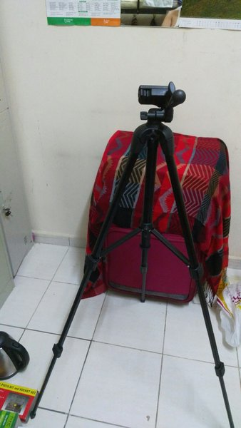 Used Tripod Stand for SLR Digital Camera 🎁 in Dubai, UAE