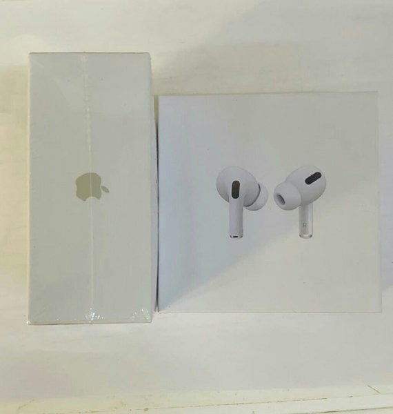Used New Airpods pro highcopy of apple.... in Dubai, UAE