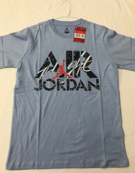 Used 2BS0114 Jordan Men's Shirt in Dubai, UAE