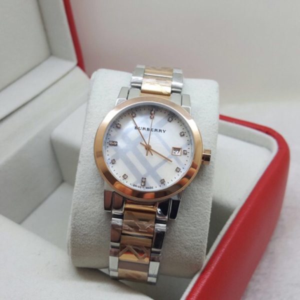 Used Brand new Burberry Watch Master Copy in Dubai, UAE