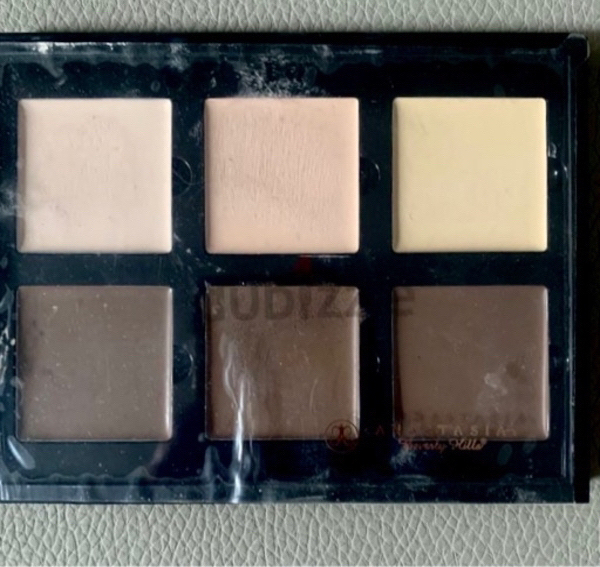 Used GENUINE Anastasia Cream Contour Kit in Dubai, UAE