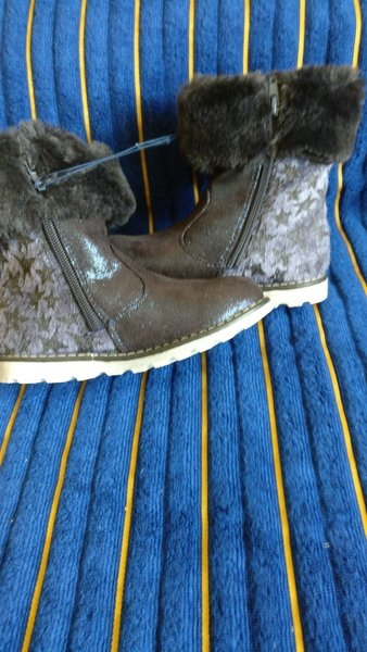 Used Brand New boots size eu28 in Dubai, UAE