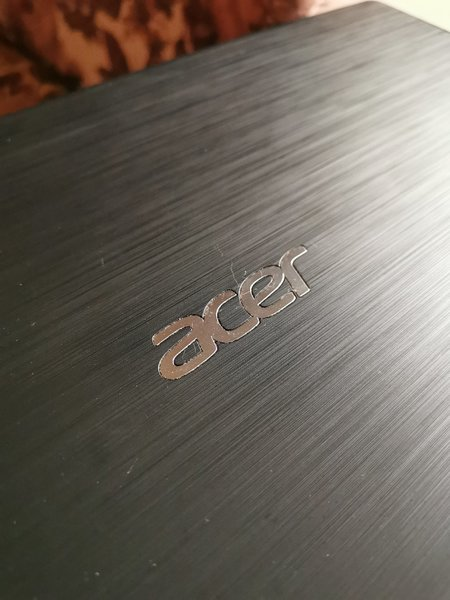 Used Acer laptop for sale! Along w carry bag in Dubai, UAE