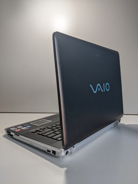 Used Sony vgn-cr353 viao laptop in Dubai, UAE