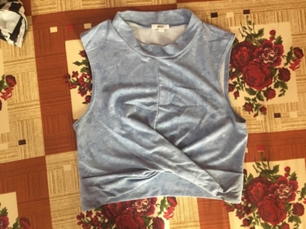 Used Medium size crop tops in Dubai, UAE