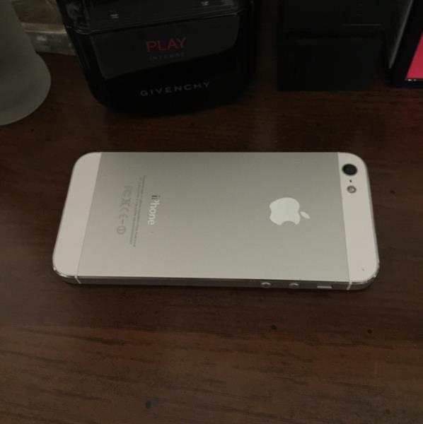 Iphone 5 16 GB#USA uSed# No scratch #only With Charge #very Good Condition #