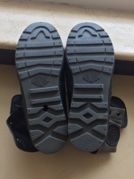 Used Palladium new ,with one flaw in Dubai, UAE