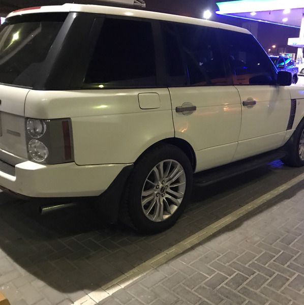 Used range rover supercharger model 2005 for sale.. in Dubai, UAE