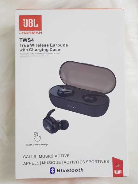 Used Earbuds JBL. With charging box in Dubai, UAE