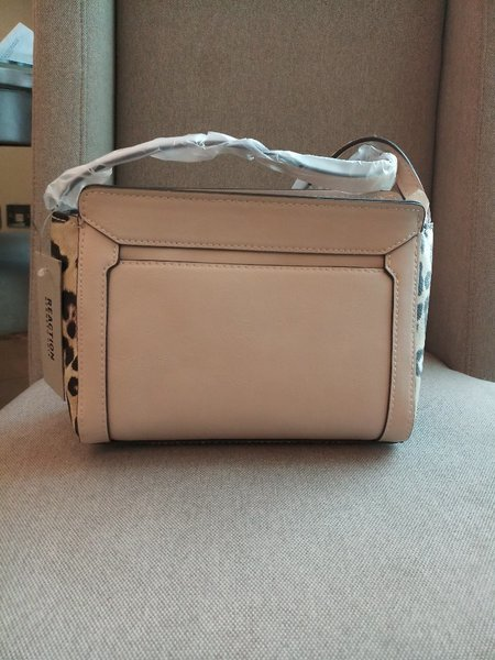 Used Brand new Kenneth cole reaction bag in Dubai, UAE