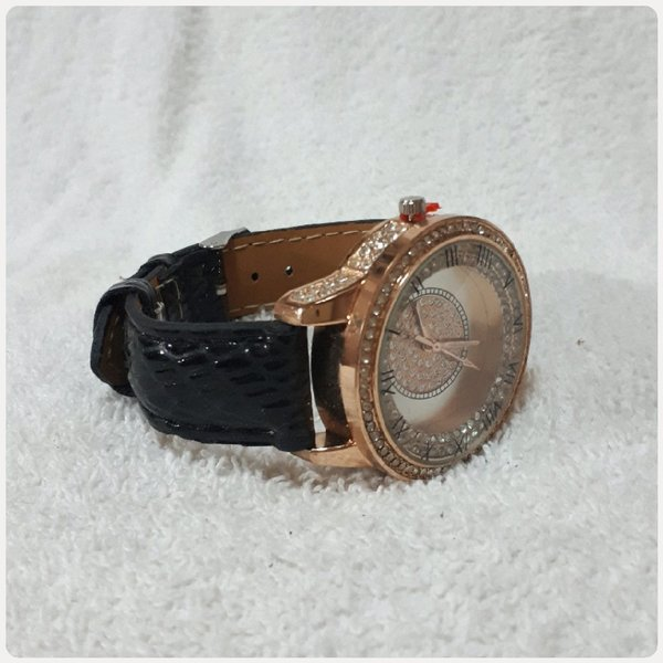 Used BENCHI watch for Women new in Dubai, UAE