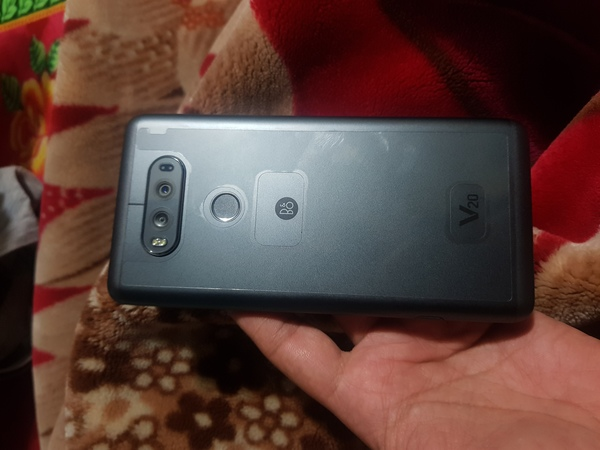 Used LG V20 in brand new condition in Dubai, UAE