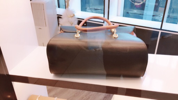 Used Italian leather bags & acessories in Dubai, UAE