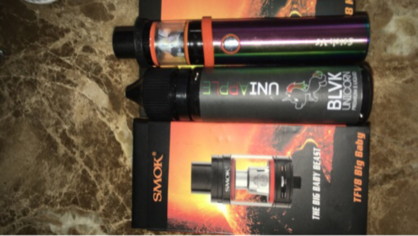 Used A vape and and free juice and free tank in Dubai, UAE