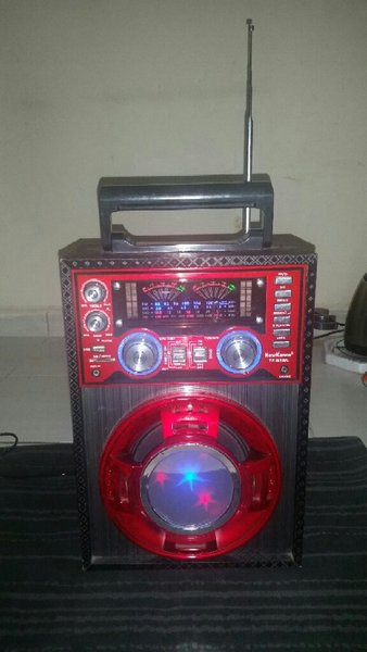 Used Speaker With Multi Function,Light System in Dubai, UAE