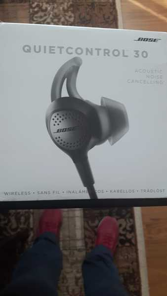 Used Original wireless Bose headset in Dubai, UAE