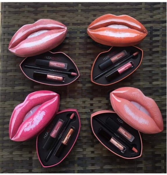Used Lip kit 1 set in Dubai, UAE