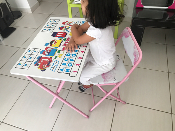 Used Kids Study Table With Chair in Dubai, UAE