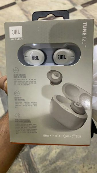 Used Sports jbl earbuds with mic sweat proof in Dubai, UAE