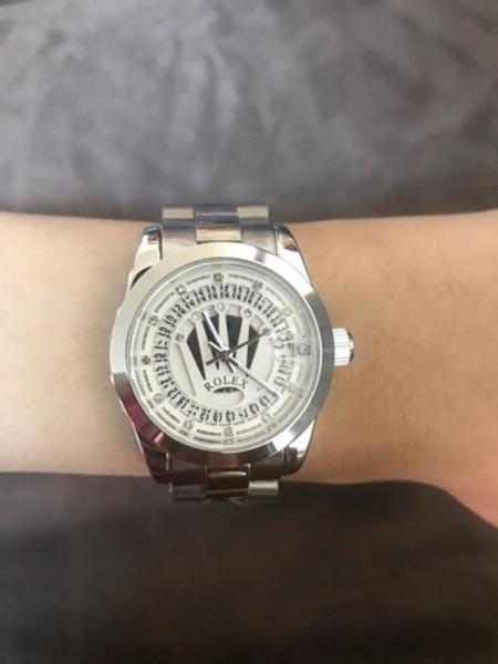 Used Silver Rolex wrist watch ⌚️ for women  in Dubai, UAE
