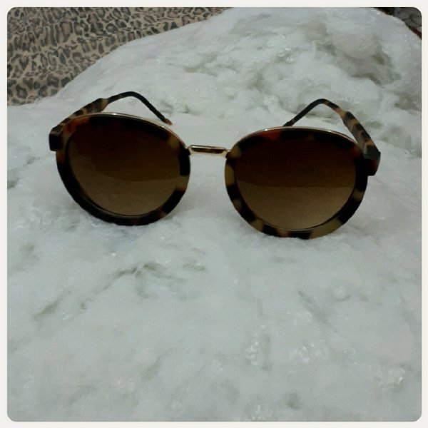 Used Casual sungglas for lady brown color in Dubai, UAE