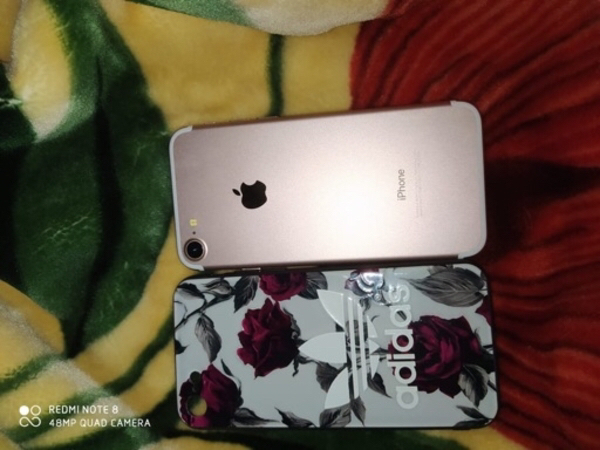 Used Apple iphone 7 128gb with facetime in Dubai, UAE