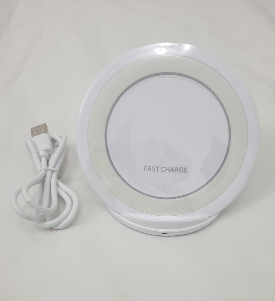 Used Fast wireless charger for iPhone in Dubai, UAE