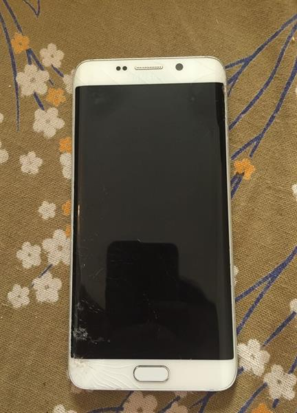 Used Samsung S6 Aage Plus 32 Gb 4 Gb Ram Protect Condition Olny Galss Borkin But Toch Is Working Good in Dubai, UAE