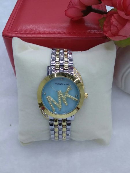 Used MICHAEL KORS WATCH LADIES in Dubai, UAE